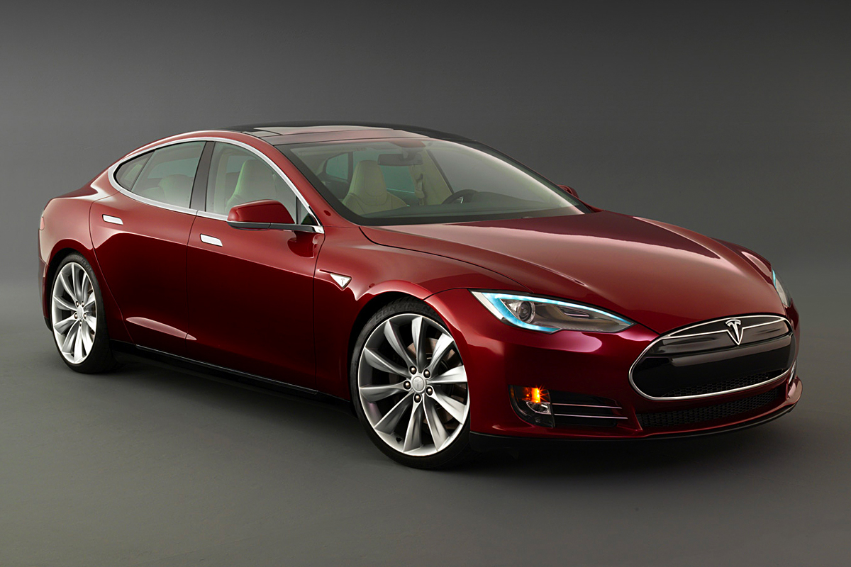 CAR NEWS: 1,000 kilometers traveled in a Tesla Model S | Woman And