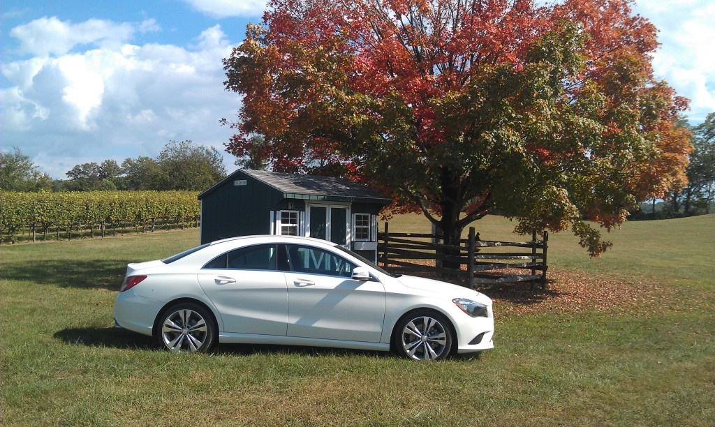 2014 mercedes benz cla 250 first look love at first sight woman and wheels. Black Bedroom Furniture Sets. Home Design Ideas