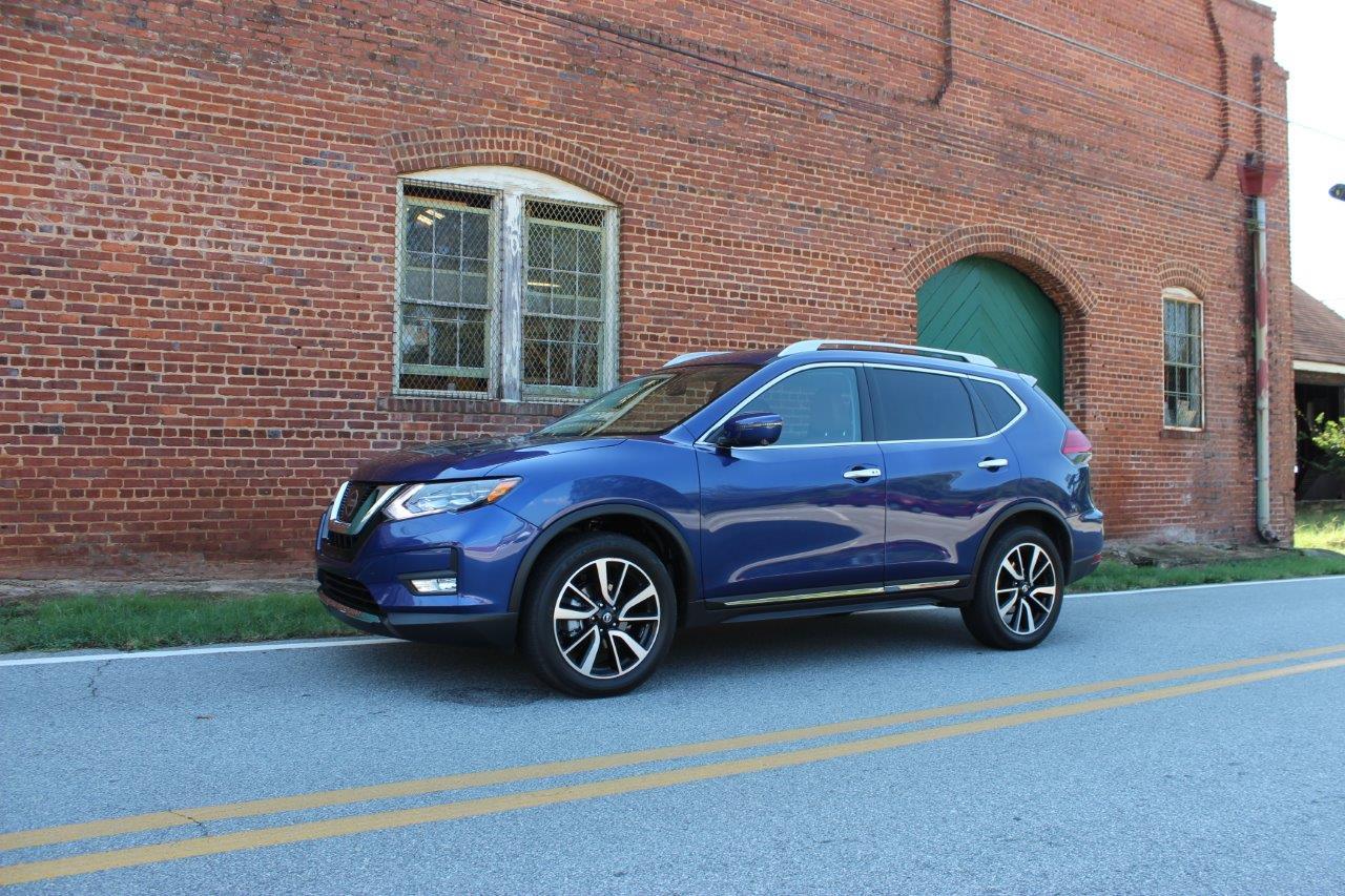 2017 Nissan Rogue test drive