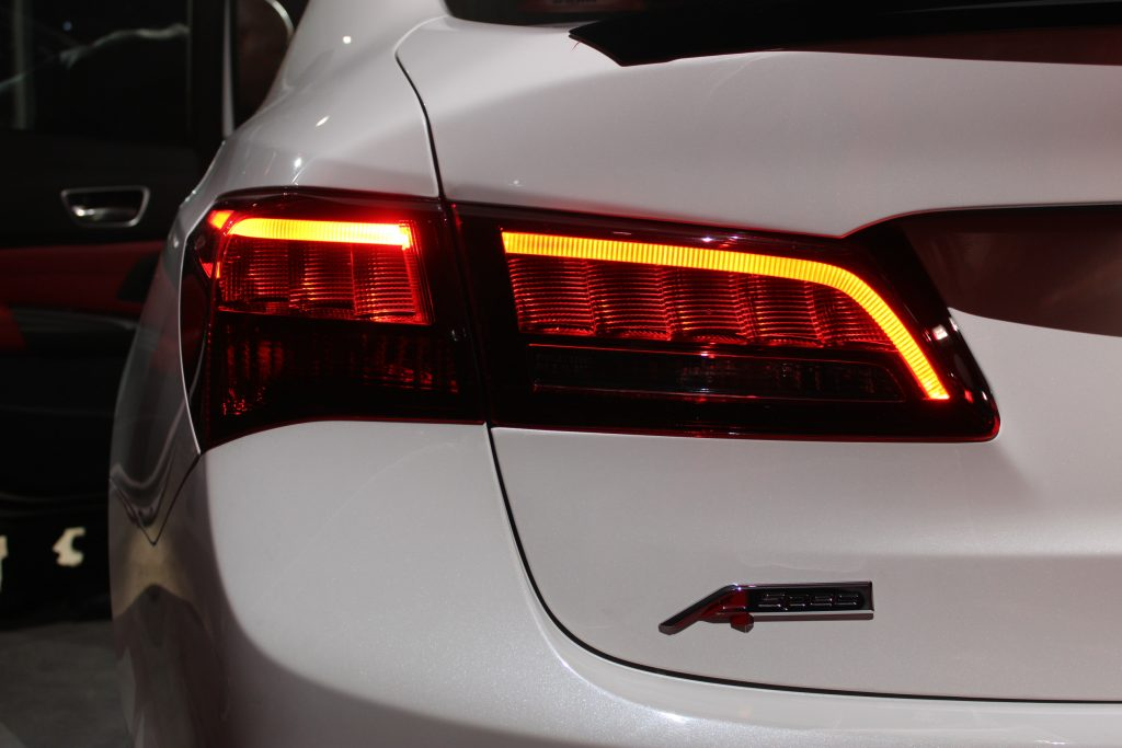 2018 acura tlx white. unique acura the 2018 acura tlx keeps its discreet character but now offers a few more  options to drivers who want dynamic drive will be in  for acura tlx white