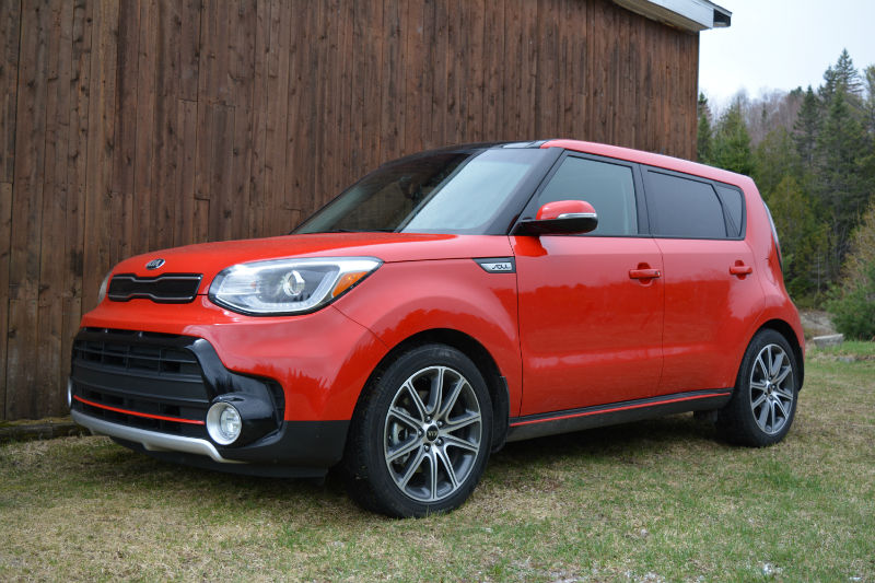 2017 kia soul turbo don t dis the soul woman and wheels. Black Bedroom Furniture Sets. Home Design Ideas
