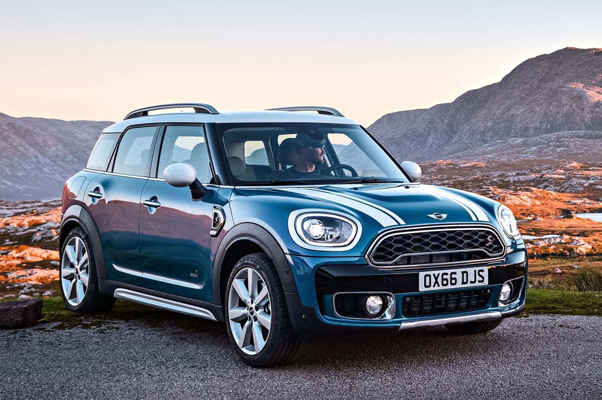 2017 Mini Countryman Cooper S All4 Front Three Quarter 20