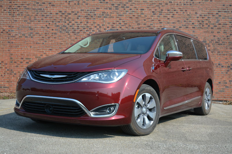 Car Review 2017 Chrysler Pacifica Hybrid Woman And Wheels